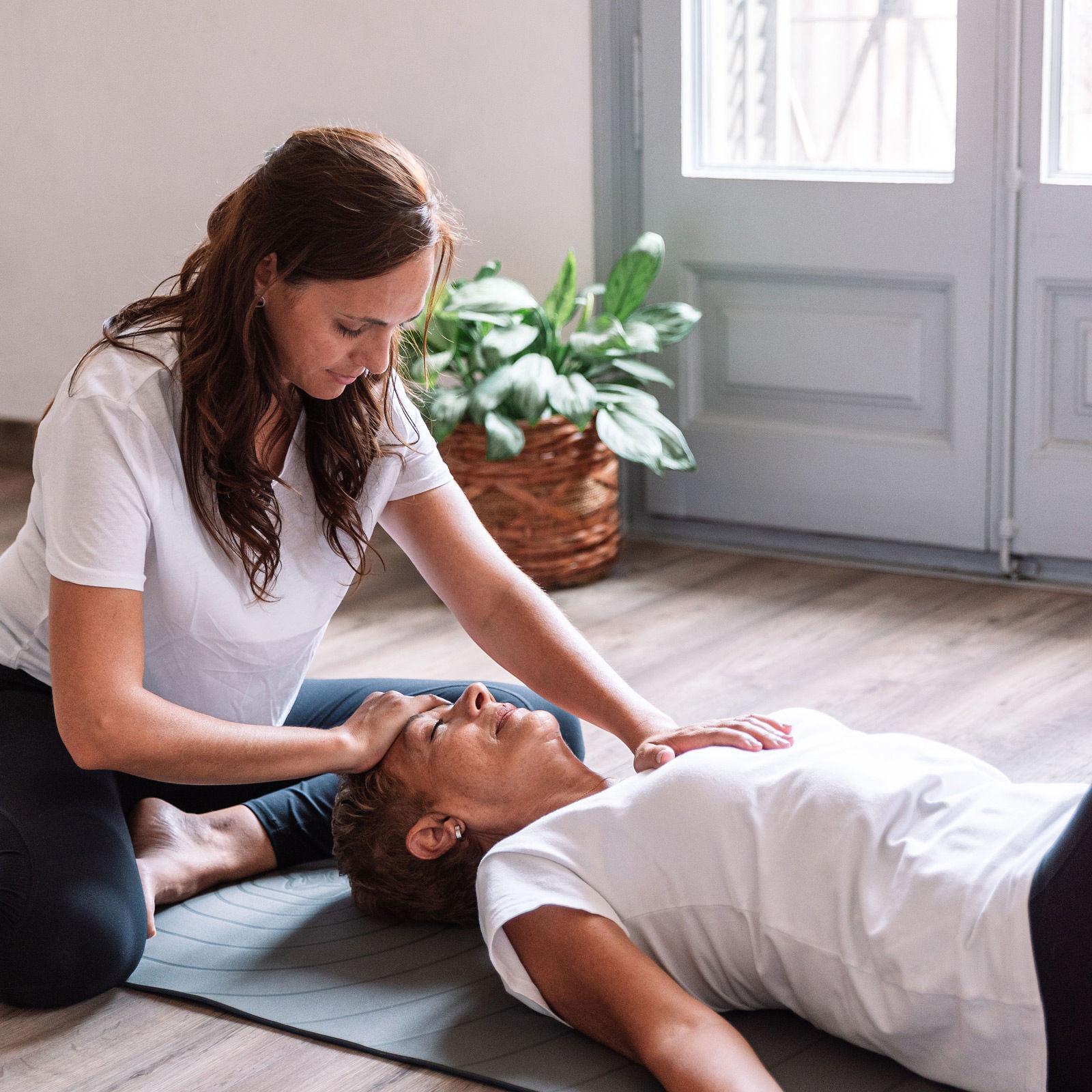 Noé Díaz -Yoga terapéutico